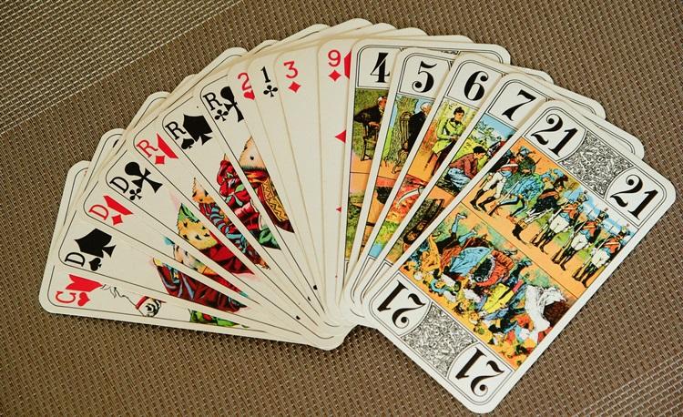По сколько карт раздают в дурака