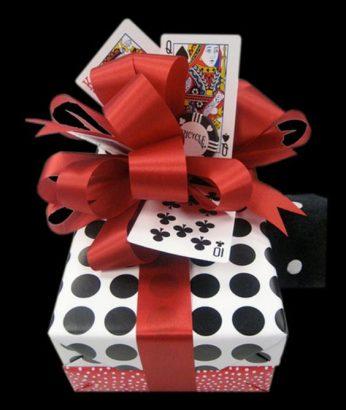Декор из игральных карт
