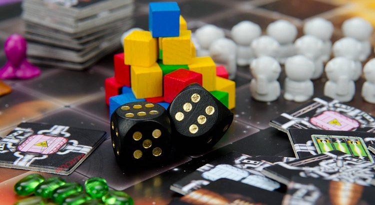 Что дают настольные игры взрослым